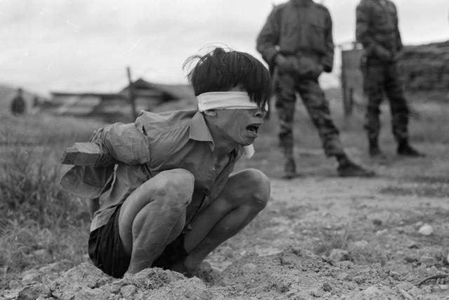 Vietconginterrogation1967.jpg